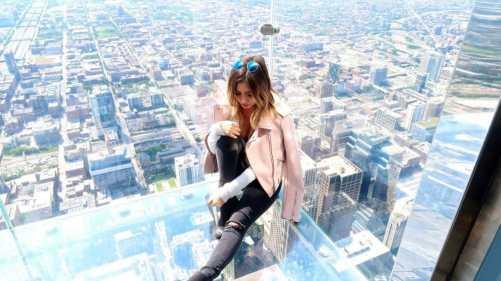 Willis Tower // Sky Deck (via Tara Michelle)